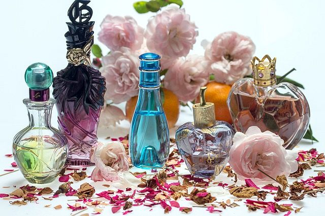 During The Pioneering Period, Fragrances Were Mainly In Perfume Oil Format, Made With Heavy Florals And Used By Both Sexes