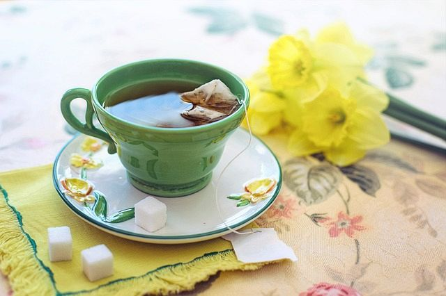 While green tea is not a food it is non-the-less high in antioxidants. It does not matter if you make the tea from tea leaves or from a bag.